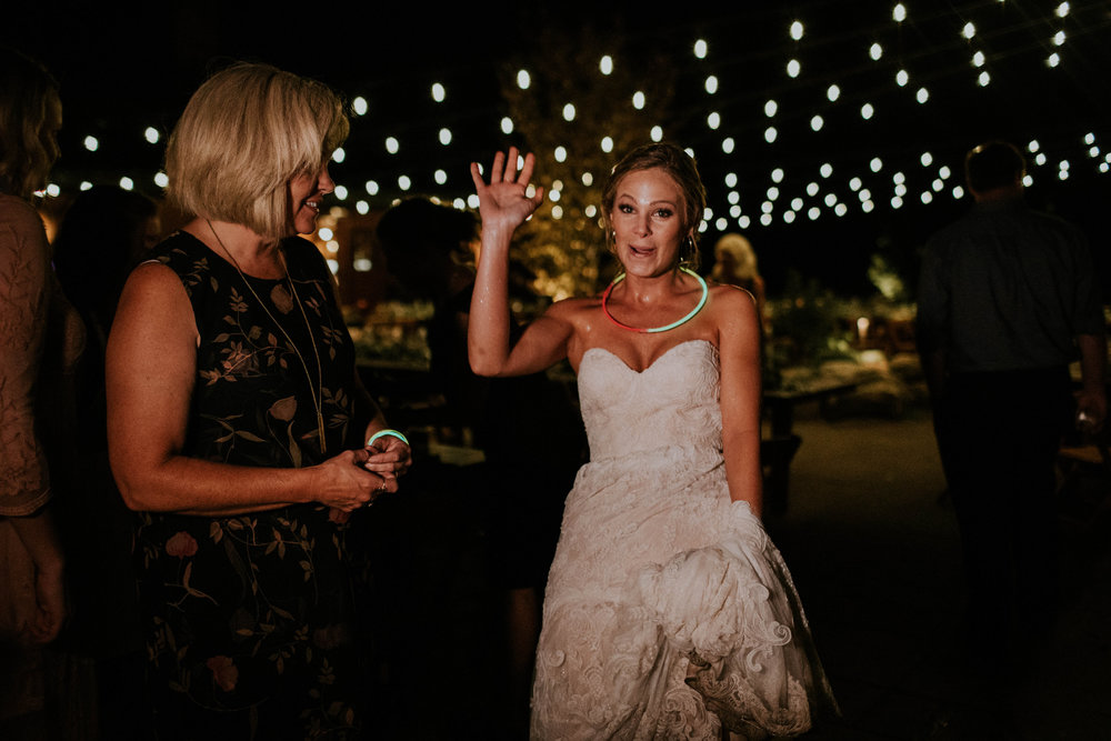 Wooster ohio wedding photographer grace e jones barn weddin venue 210.jpg