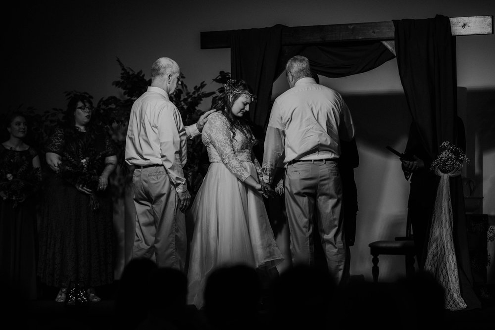 Lord of the rings inspired wedding grace e jones columbus ohio wedding photographer 135.jpg