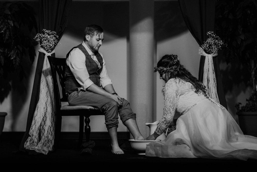 Lord of the rings inspired wedding grace e jones columbus ohio wedding photographer 139.jpg