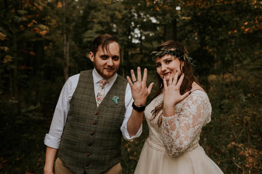 Lord of the rings inspired wedding grace e jones columbus ohio wedding photographer 88.jpg