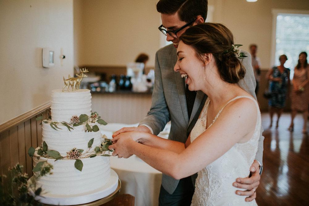 Intimate woodsy wedding ohio wedding photographer grace e jones photography140.jpg