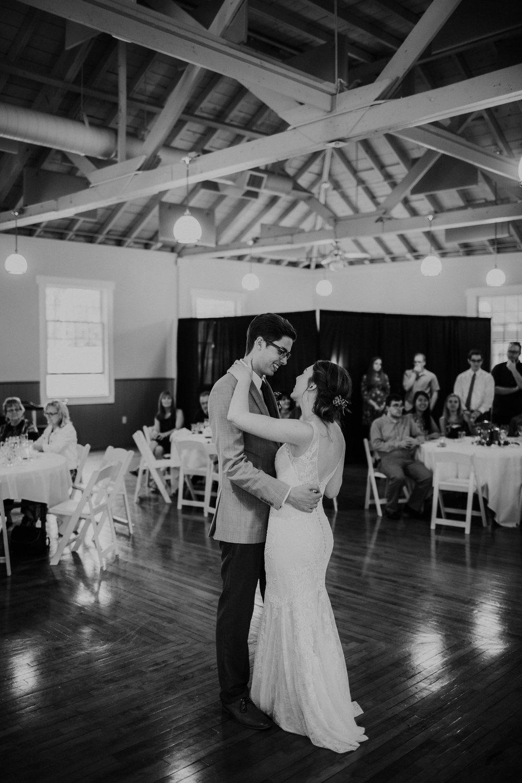 Intimate woodsy wedding ohio wedding photographer grace e jones photography150.jpg