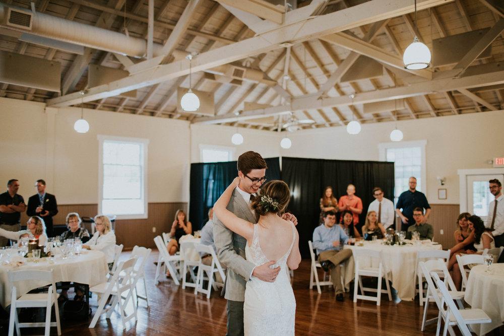 Intimate woodsy wedding ohio wedding photographer grace e jones photography152.jpg