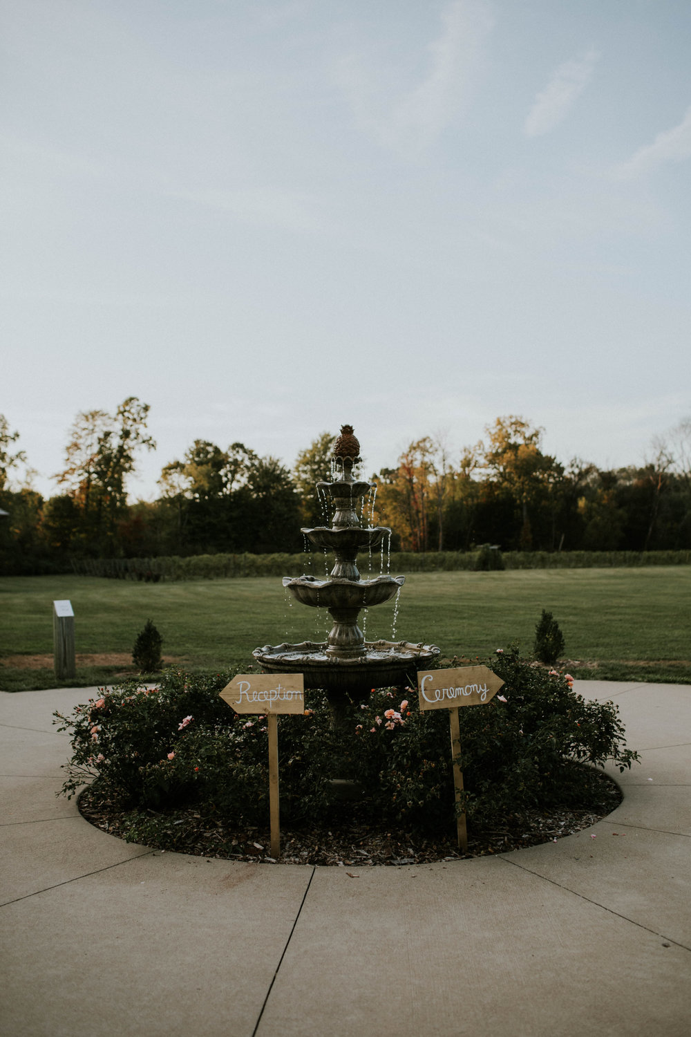 Waters edge louisville ohio romantic wedding grace e jones photography73.jpg