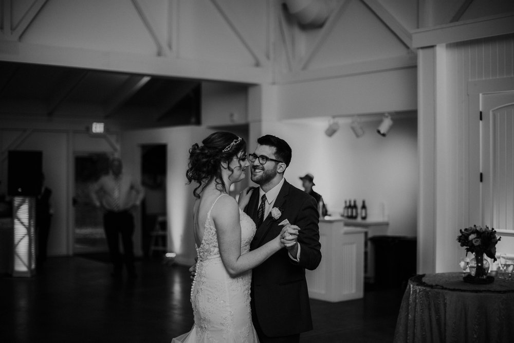 Waters edge louisville ohio romantic wedding grace e jones photography145.jpg