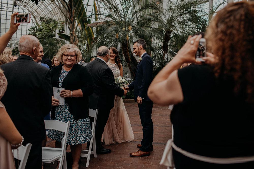 franklin park conservatory wedding columbus ohio wedding photographer grace e jones photography257.jpg