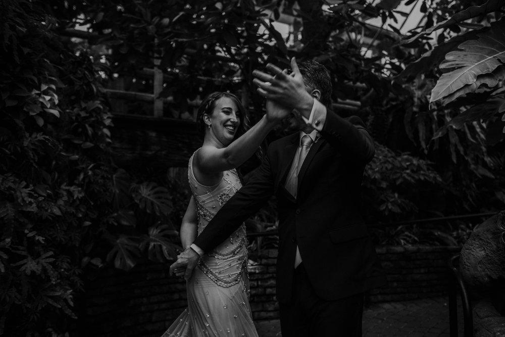 franklin park conservatory wedding columbus ohio wedding photographer grace e jones photography141.jpg