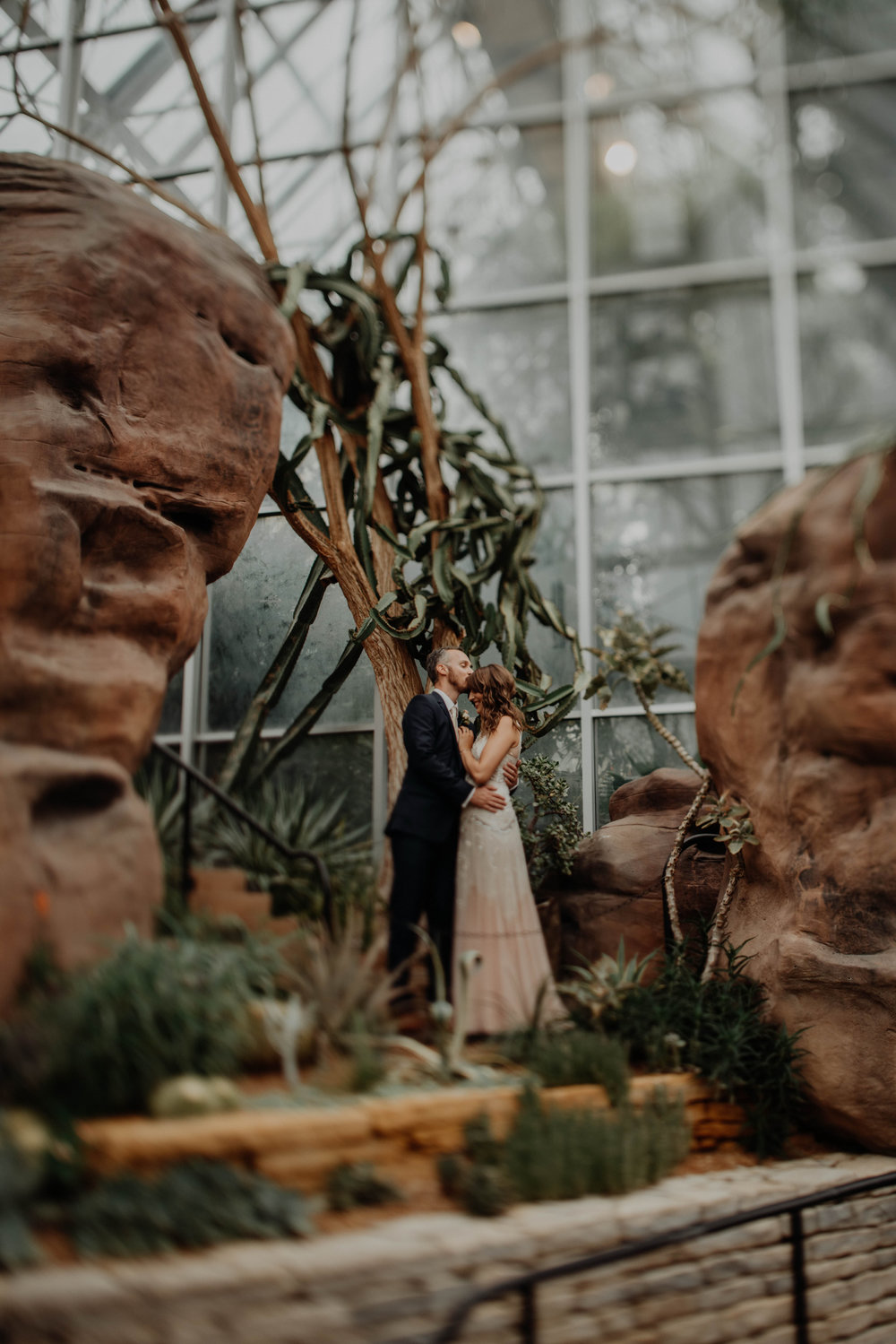 franklin park conservatory wedding columbus ohio wedding photographer grace e jones photography53.jpg