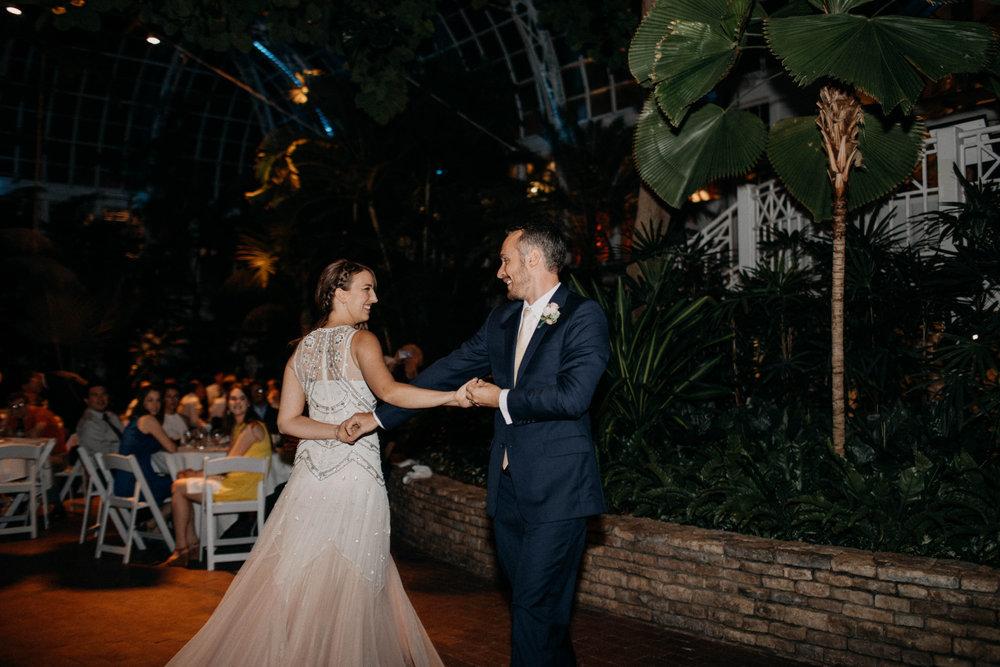 franklin park conservatory wedding columbus ohio wedding photographer grace e jones photography322.jpg