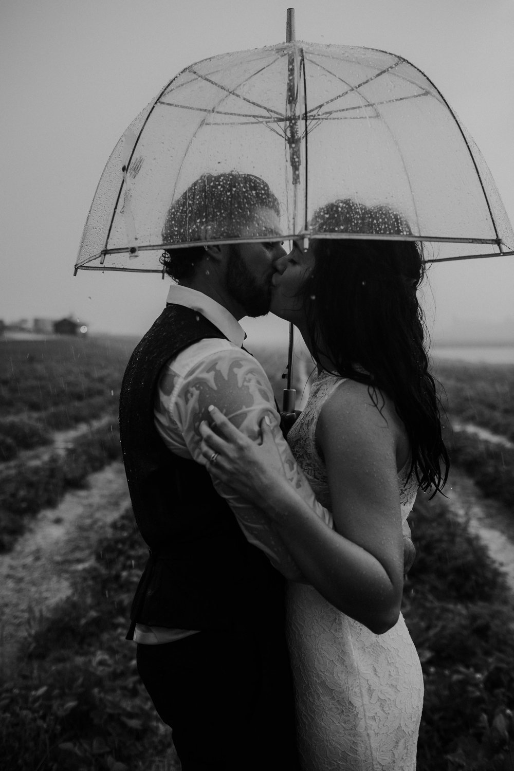 ohio amish country intimate wedding rainy day wedding135.jpg
