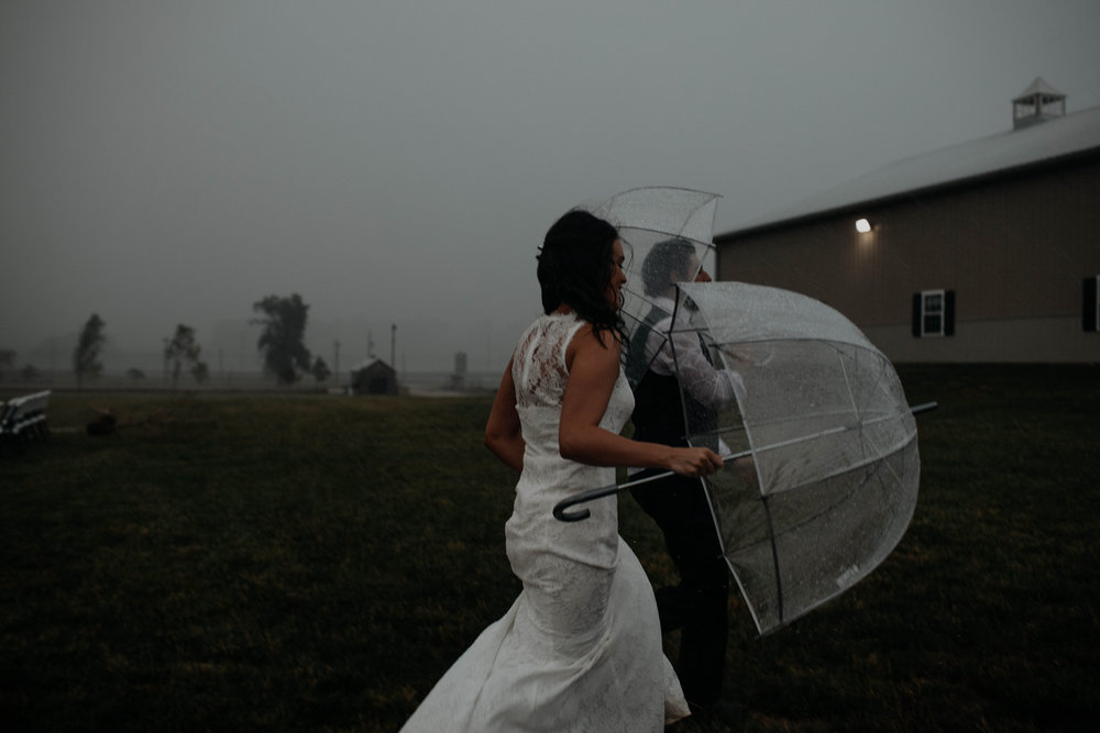 ohio amish country intimate wedding rainy day wedding128.jpg