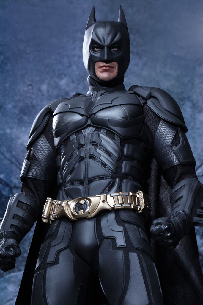 the-dark-knight-rises-batman-1-4-scale-figure-by-hot-toys-2.jpg
