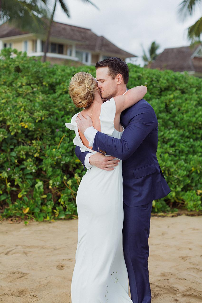 chris_J_evans_maui_beach_wedding_00002.jpg