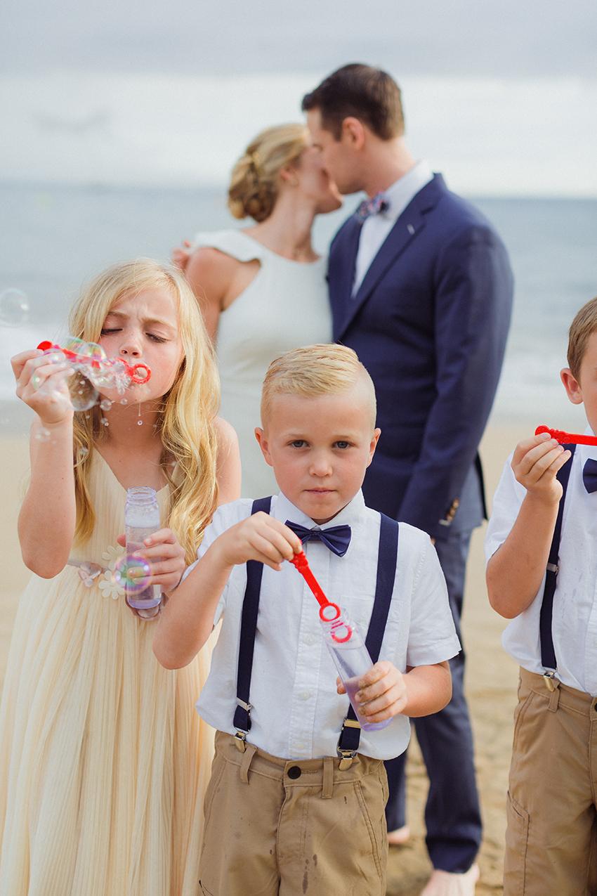 chris_J_evans_maui_beach_wedding_00030.jpg