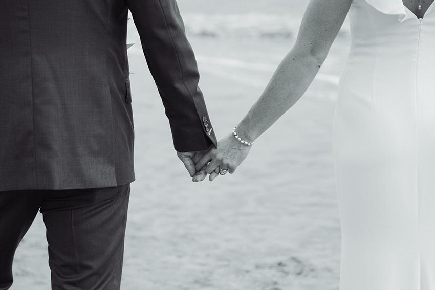 chris_J_evans_maui_beach_wedding_00033.jpg