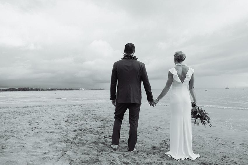 chris_J_evans_maui_beach_wedding_00034.jpg