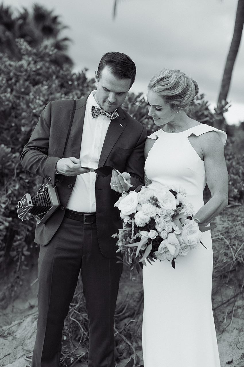 chris_J_evans_maui_beach_wedding_00036.jpg