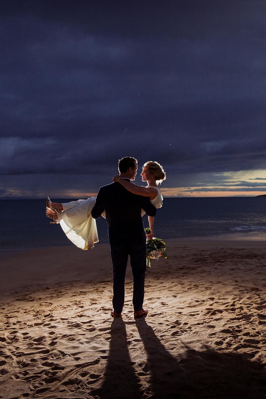 chris_J_evans_maui_beach_wedding_00049.jpg