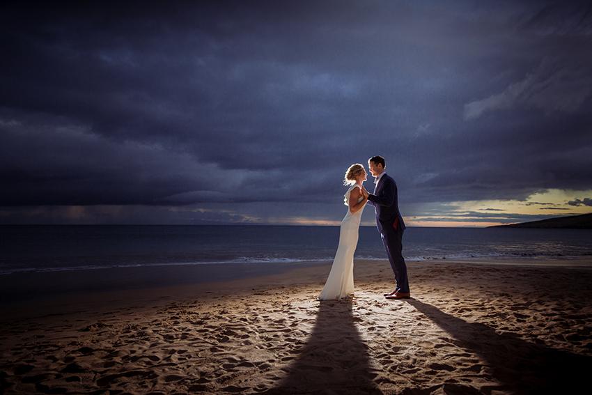 chris_J_evans_maui_beach_wedding_00051.jpg