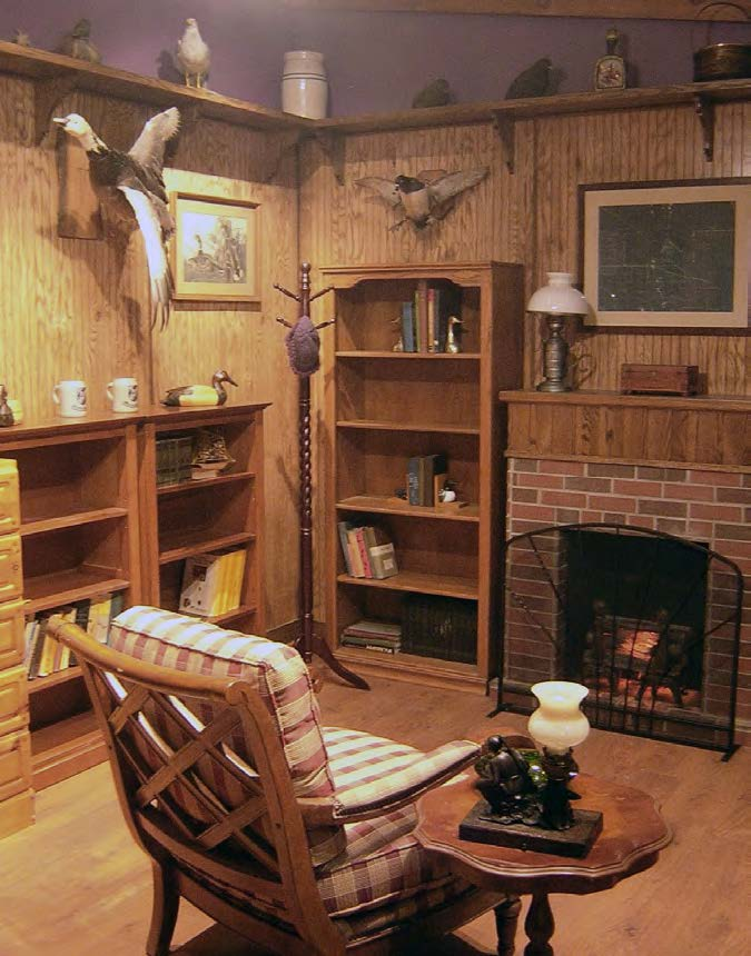 Replica of a hunting lodge historic interior (ca. 1930-1960). Audio embedded in old radio for added effects.