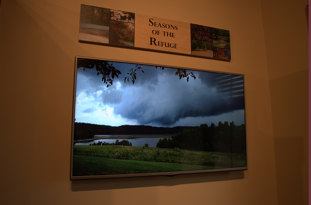 A live slideshow of local images showcasing the beauty of the refuge.