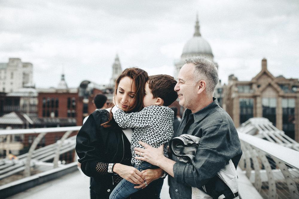 ara-family-in-london_23.jpg