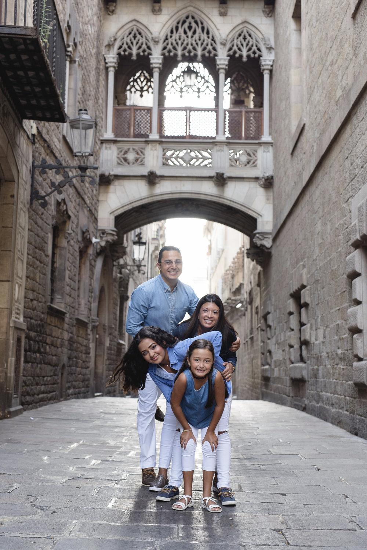 javier-family-in-barcelona_7.jpg