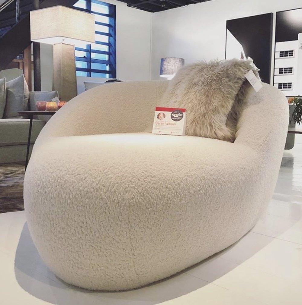 Verellen Furnitue Lounge Chair