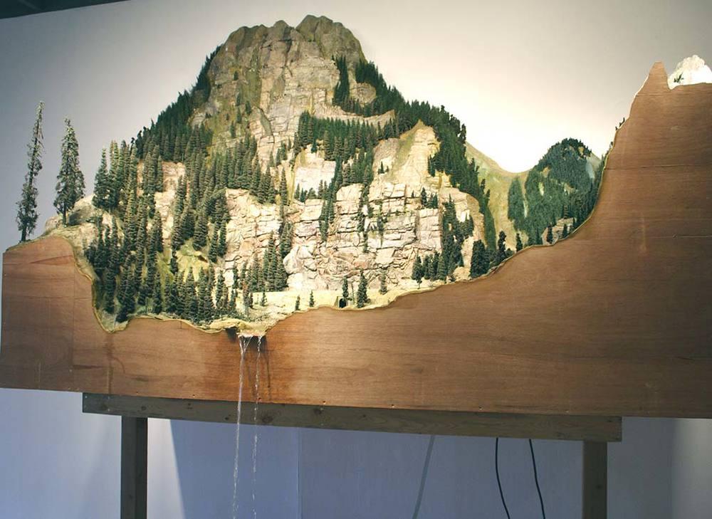 Mountaincloseup.jpg