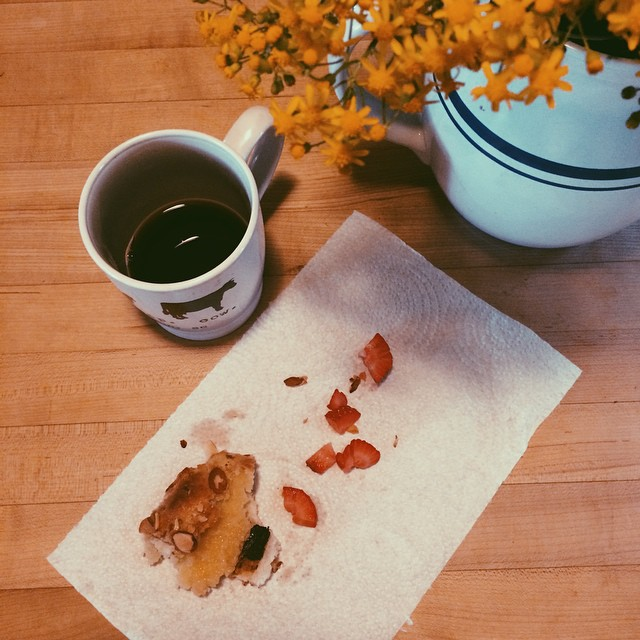 #Sundays are for snacks of chocolate-almond croissants and sliced strawberries (Reese was nice enough to share with Mommy)