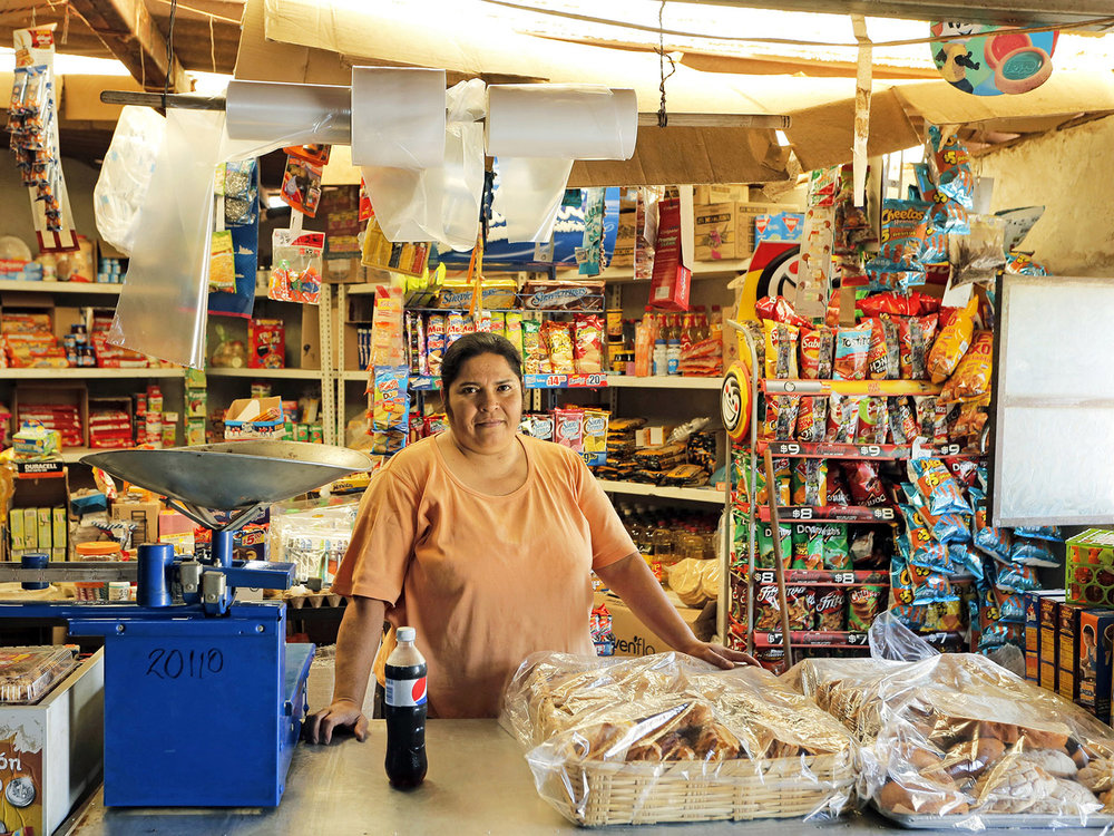 La Senora y su Tienda_small.jpg