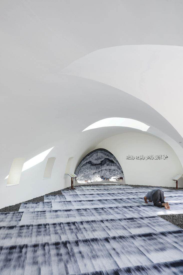 mosque_left_2982.jpg