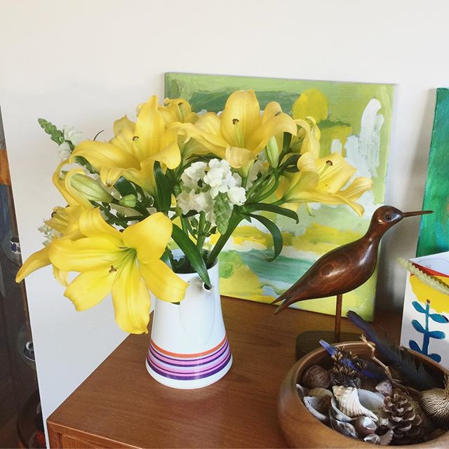 Thank you for all my thank you gifts and loving words of support and gratitude - right back at you! Hey Molly & Patrick your blooming lilies are bringing so much colour to my weekend 🌼🌼🌼