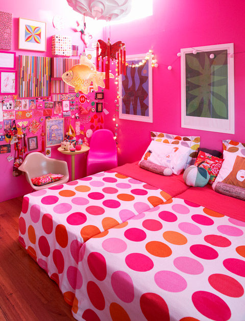 This happy, vibrant bedroom belongs to Rossler's daughters.