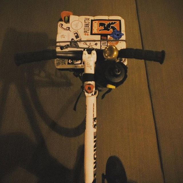 #regram of @sanchezthess bolting across town using our Carga rack. 🚴🏻
