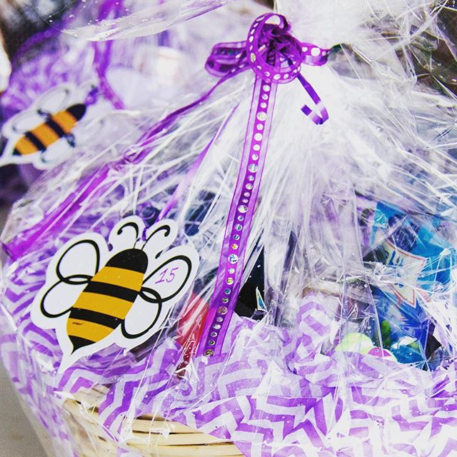 Did you win a gift basket? What'd you get?! 🐝