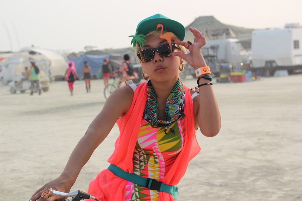 DJ SARASA and her effortless fashion for the playa...style TUN UP!