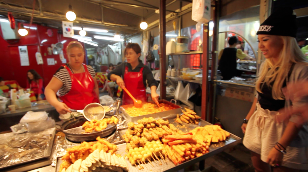 Street food was so good...as street food often is.  What else will keep you going shopping at 4am?