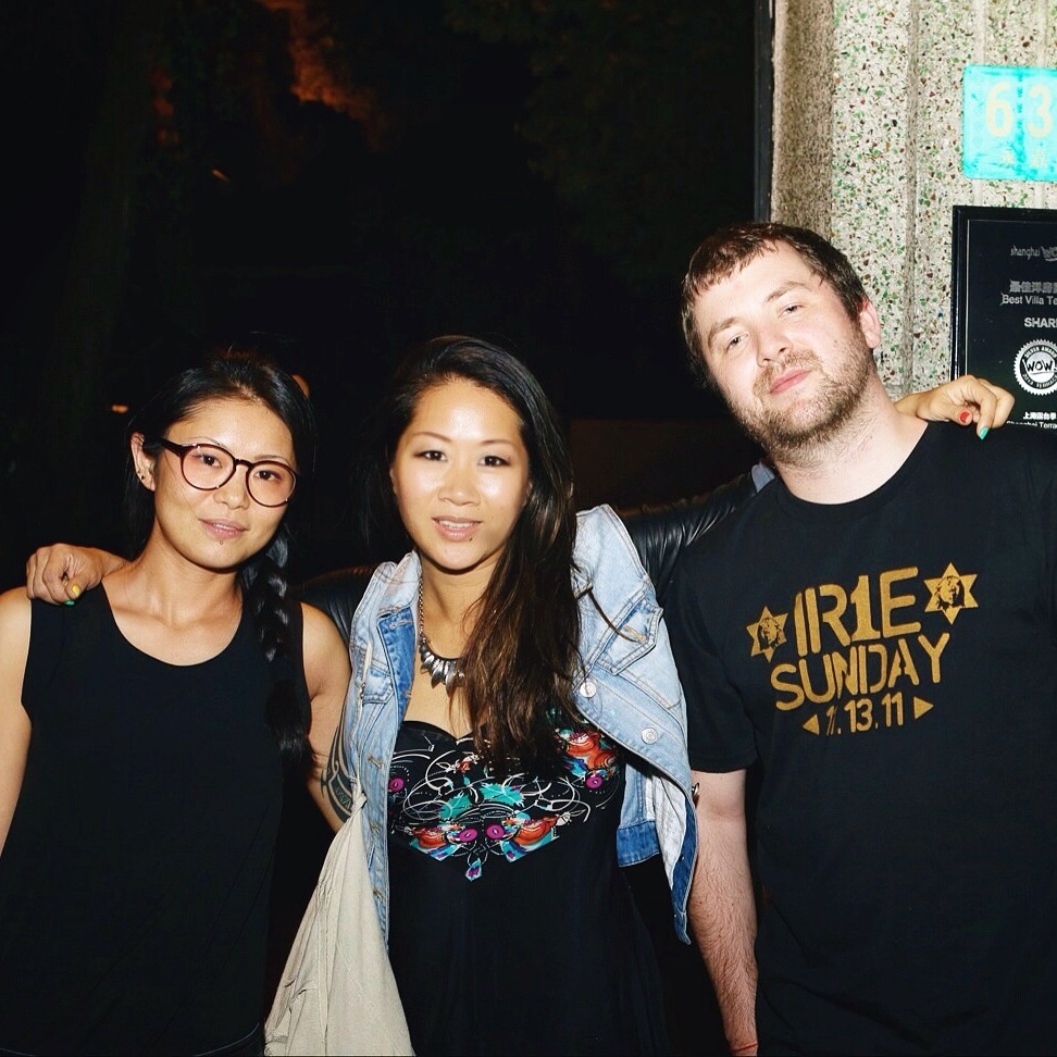 "Meeting ChaCha + Drunk Monk at Shanghai's ""Soul Sundays"" with Drunk Monk rocking Irie Sunday Tshirt (Manila) and inviting them to play Singapura Dub Club - the last Sunday of each month.  #Sunday"