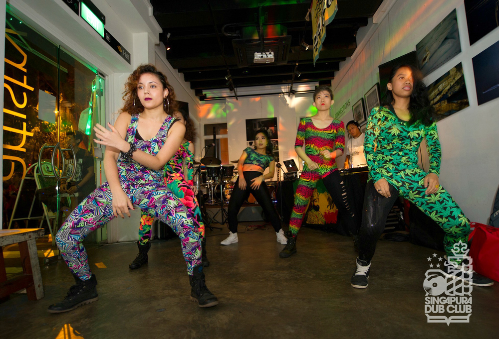 Ragga Wacka Dancehall Dancers kick the night off right with a wicked showcase