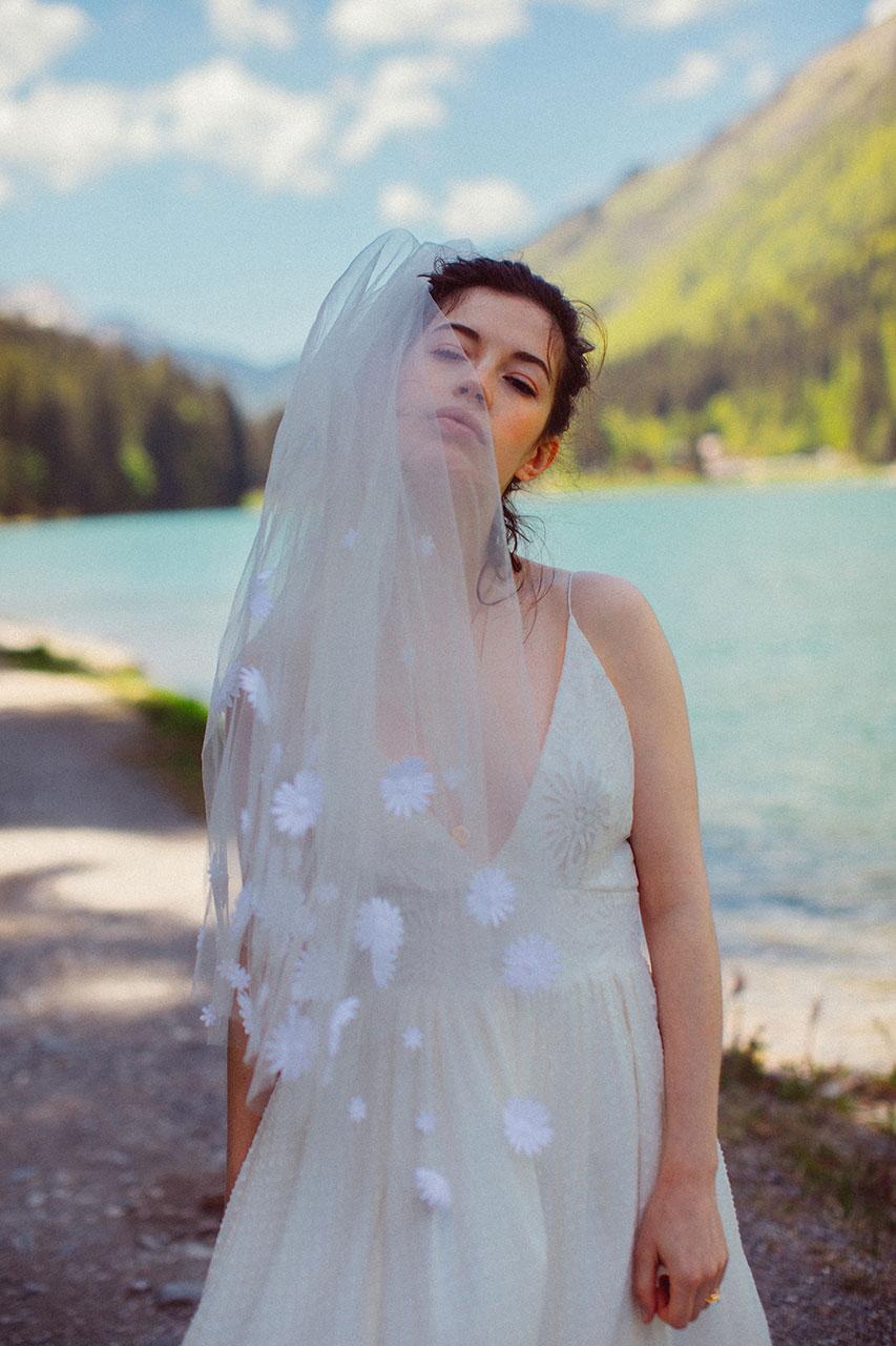 elise-hameau-robe-mariee-mariage-ceremonie-2018-maud-chalard_80.jpg