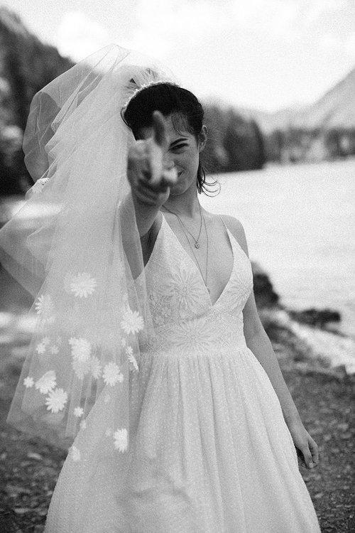 elise-hameau-robe-mariee-mariage-ceremonie-2018-maud-chalard_79.jpg