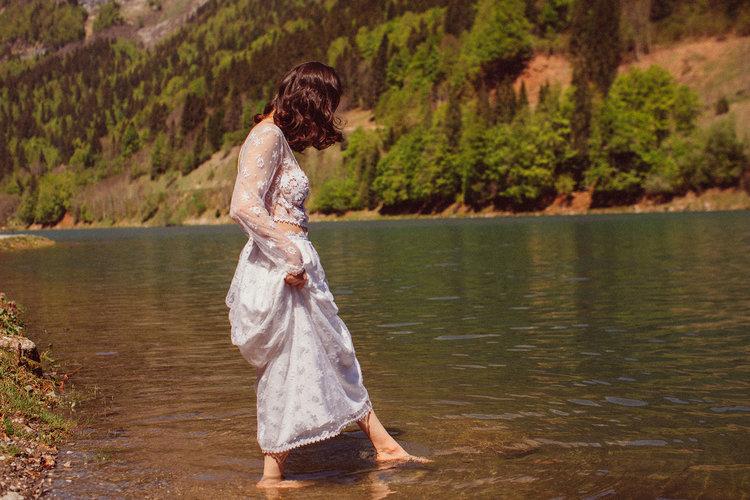 elise-hameau-robe-mariee-mariage-ceremonie-2018-maud-chalard_98.jpg