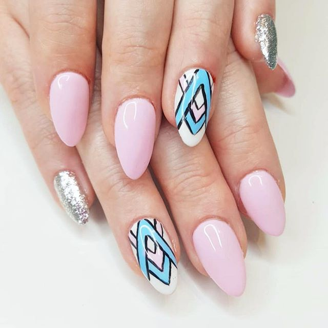 We are loving this set and design by @priscillas_nails! Call us for your next appointment 😍 📱 864.271.4503 . . . #nailstagram #nailsofinstagram #naildesign #naildesign #nailsoftheday #instanails #notd #nailsonpoint #lovemynails #nailpro #nailart #nails2inspire #megandiezsalon #manicure #pedicure #greenvillenails #greenvillepedicure #greenvillemanicure #yeahthatgreenville #nailsmagazine #megandieznails #gelnails