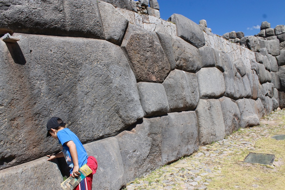Inca stones fit so well together that you can't even get a razorblades between them.  Daniel is checking them out for himself.