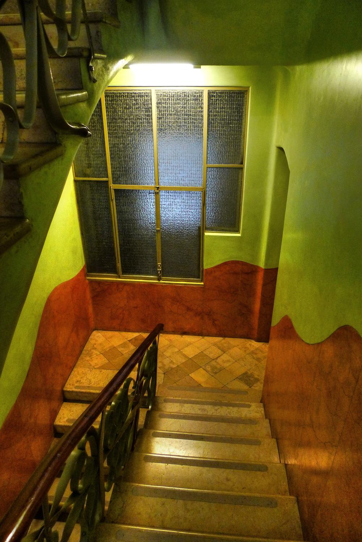 gaudi_hallway.jpg