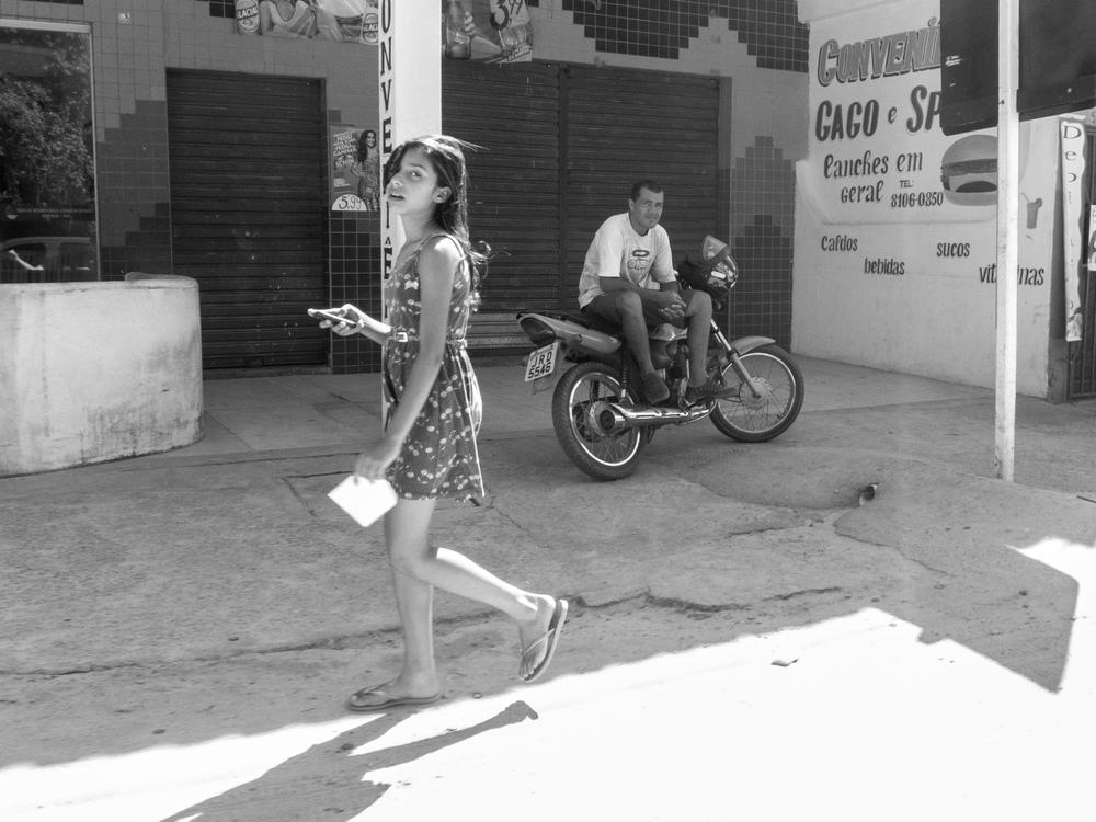 Trancoso_girl_and_motorbiker-5859.jpg