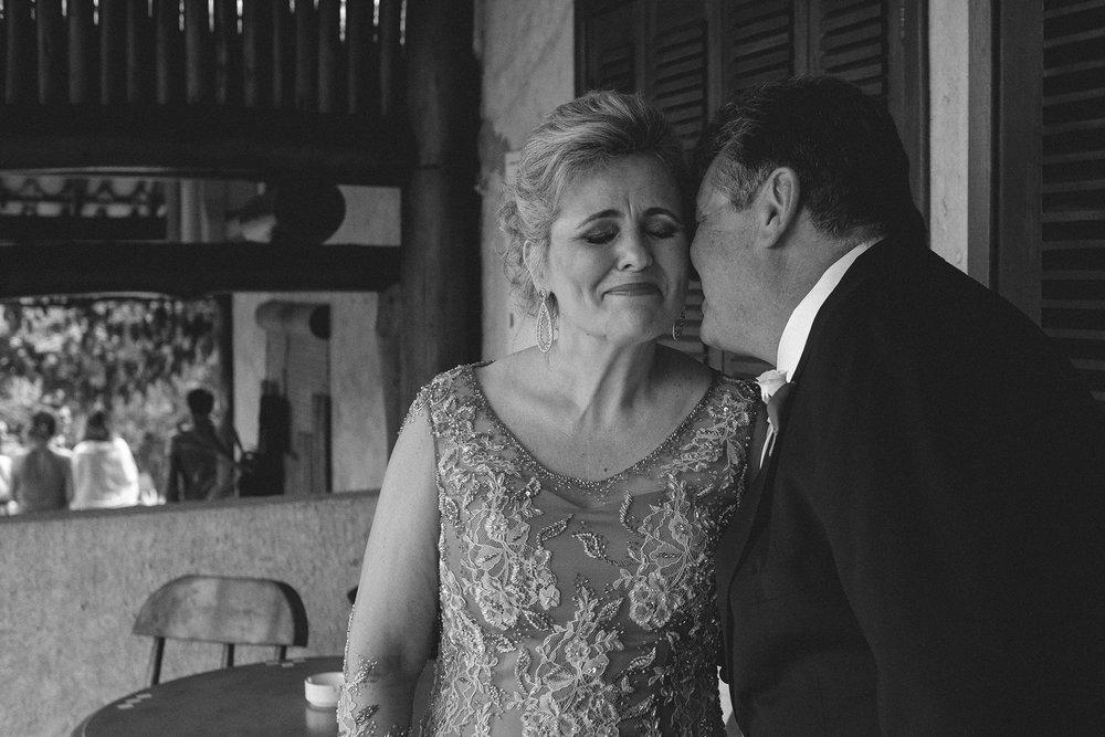 Marina e Vitor - Destination Weddding - Gustavo Semeghini - Hotel Leão de Judá - São Sebastião do Paraíso - 2riosmemórias - 19.jpg