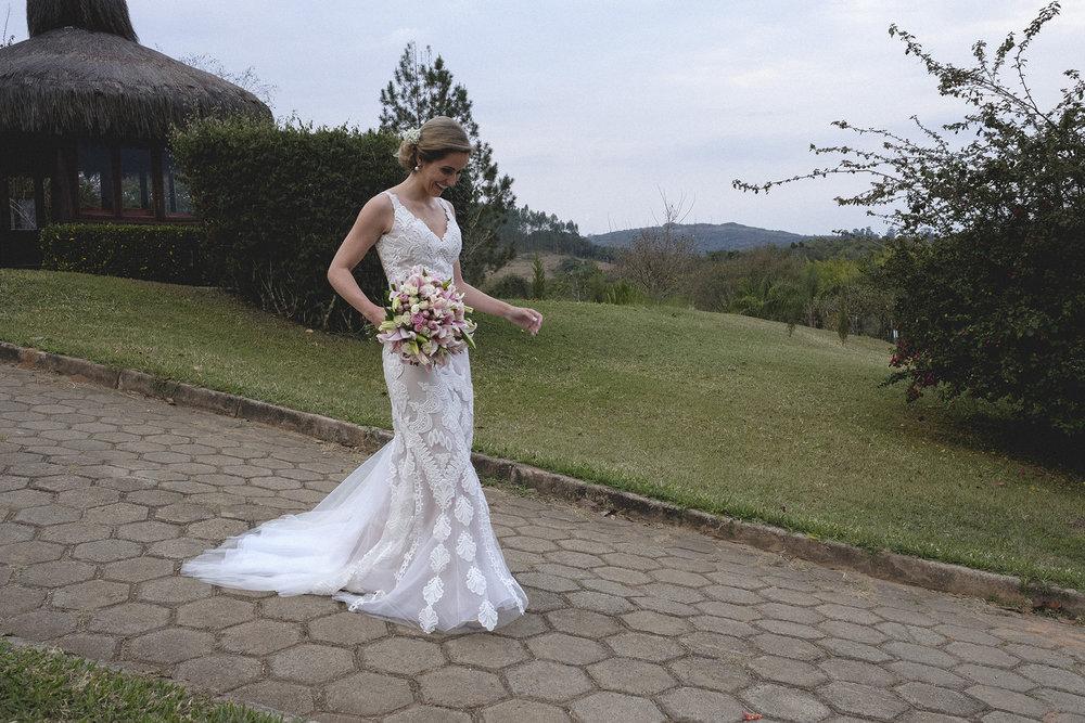 Marina e Vitor - Destination Weddding - Gustavo Semeghini - Hotel Leão de Judá - São Sebastião do Paraíso - 2riosmemórias - 26.jpg