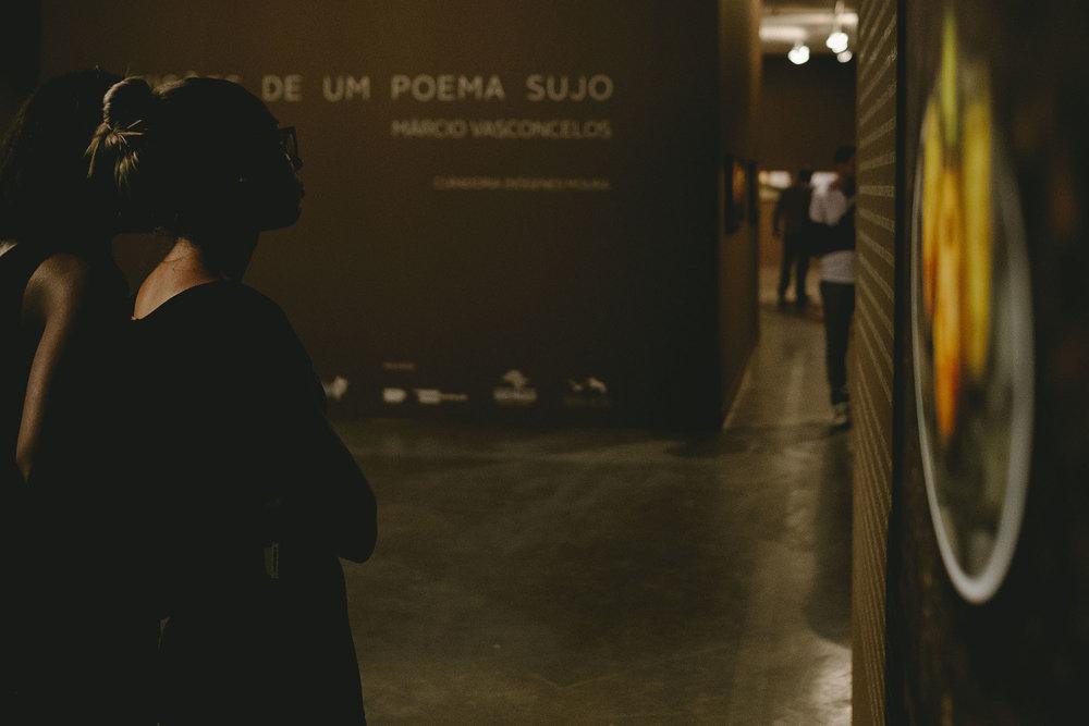 Visões-de-um-poema-sujo : exposição-lançamento-livro : Márcio Vasconcelos : Gustavo Semeghini : Blog -026.jpg